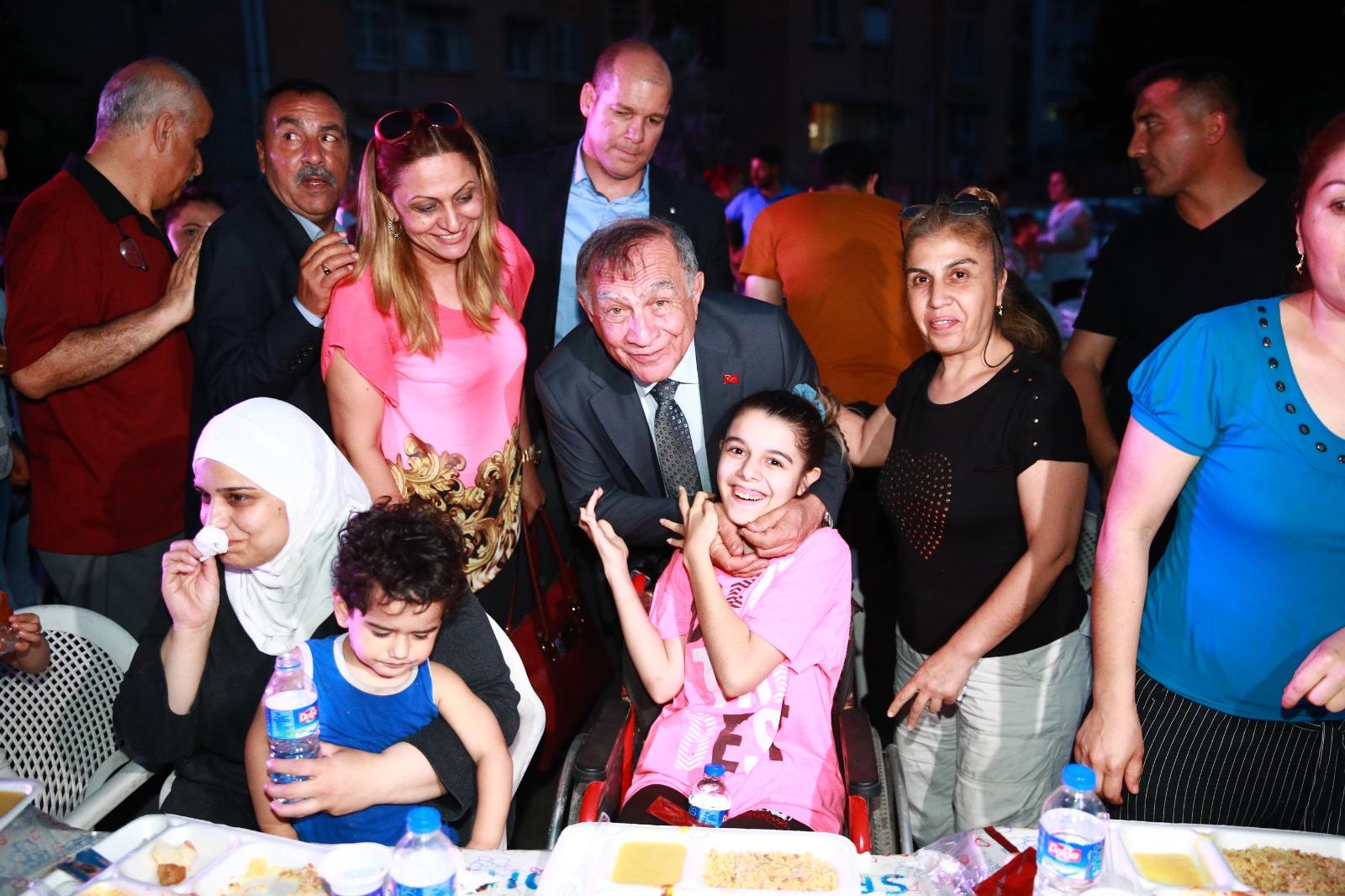 Seyhan Belediyesi iftar sofrasında 1.500 kişiyi ağırladı…