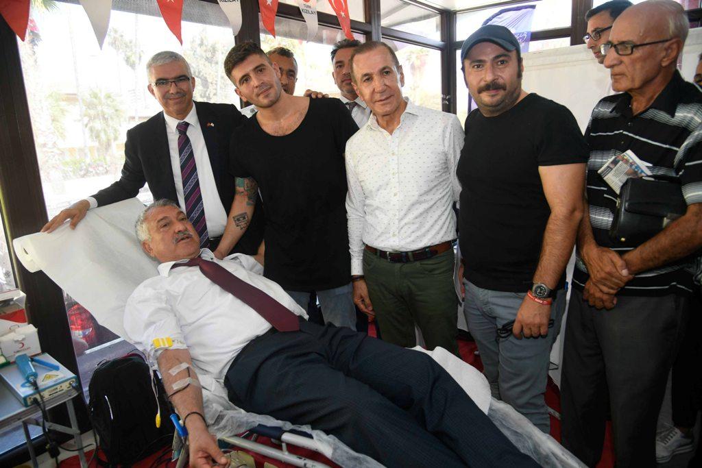 Çukur dizisinin oyuncuları hayırlı bir iş için Adana'da