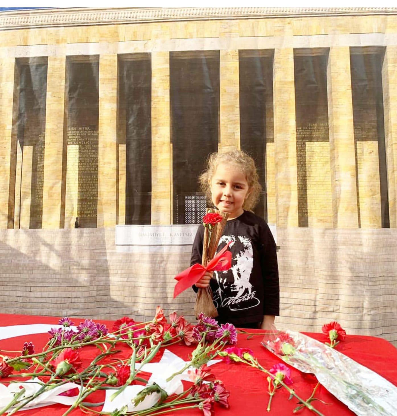 Minik yüreklerde büyük Atatürk sevgisi