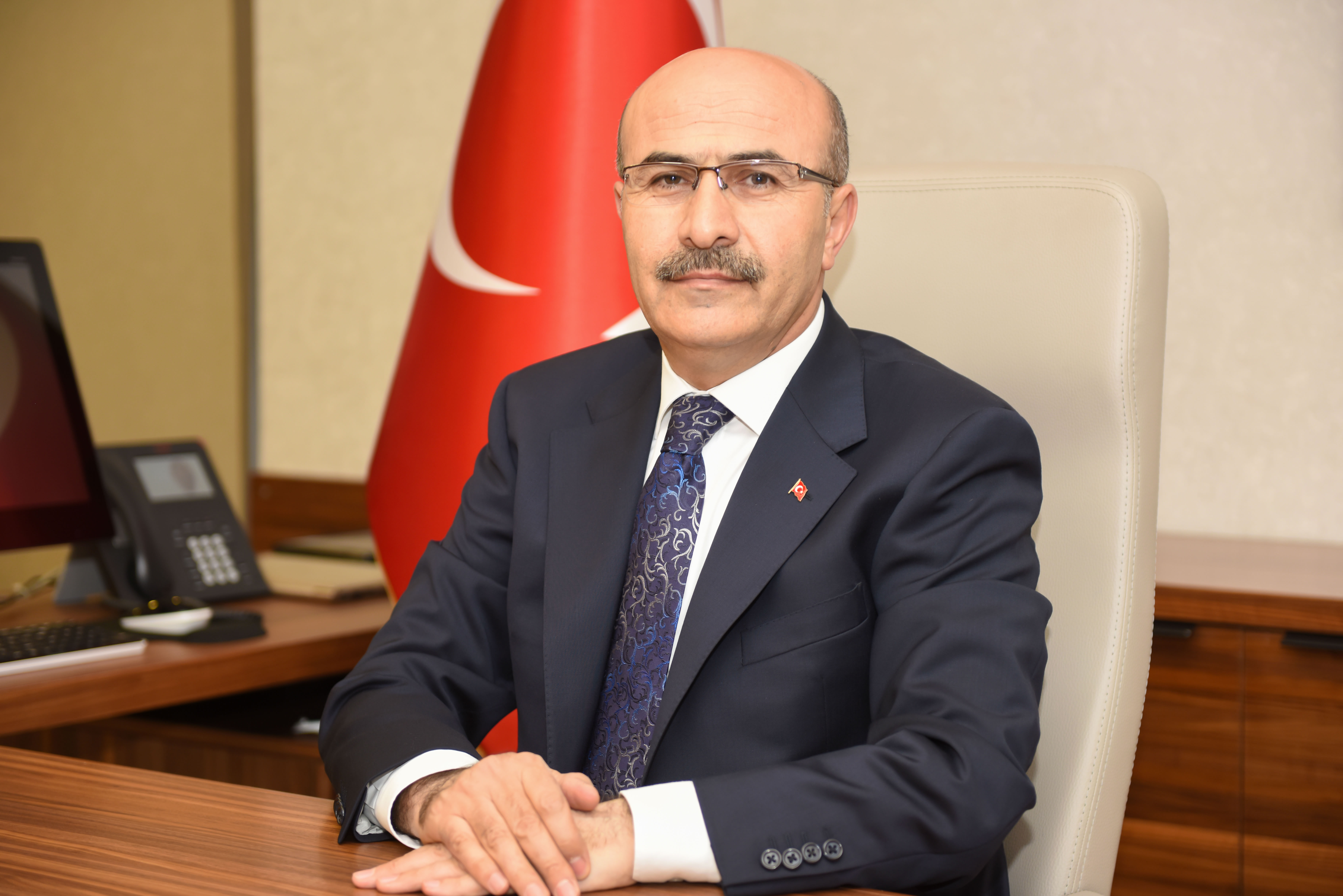 Vali Demirtaş: Tüm vatandaşlarımızı tüm engelleri kaldırmaya davet ediyorum