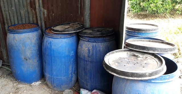 Adana'da 1200 litre sahte içki ele geçirildi,
