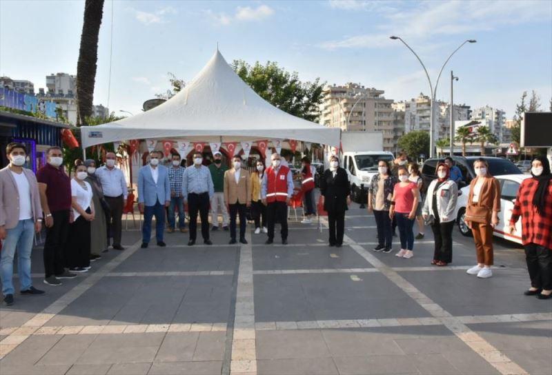 AK Parti Adana Kadın Kolları Başkanlığından kan bağışı kampanyası