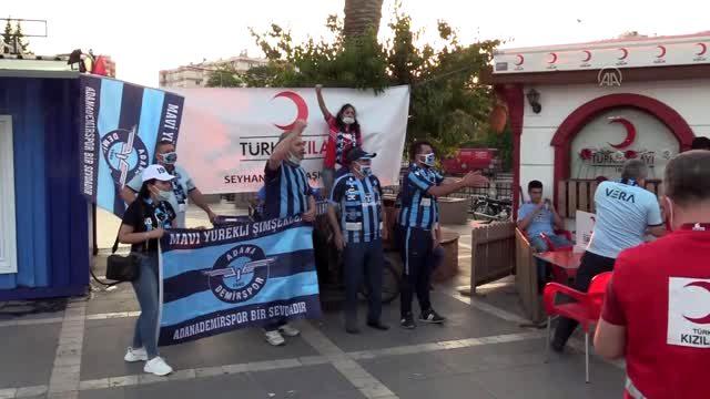 Adana Demirspor taraftarlarından Türk Kızılay'a kan bağışı