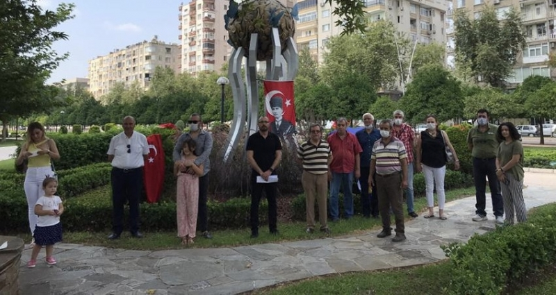 Srebrenitsa Soykırımı Adana'da Lanetlendi