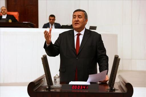 """CHP'Lİ GÜRER: """"ELEKTRİK DAĞITIM ŞİRKETLERİ FENA DAĞITMIŞ"""""""