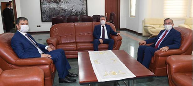 Vali Elban Seyhan Belediye Başkanı Akay'ı Ziyaret Etti