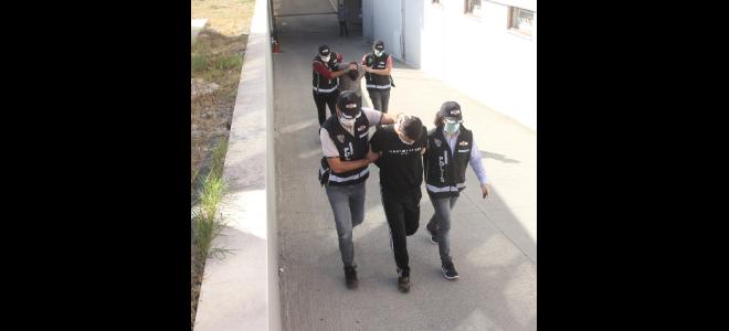 Adana'da 2 silah kaçakçısı yakalandı