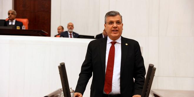 """Ayhan Barut'tan 'Torba Yasayı Geri Çek' çağrısı: """"Sermayeyi değil doğayı savunalım"""""""