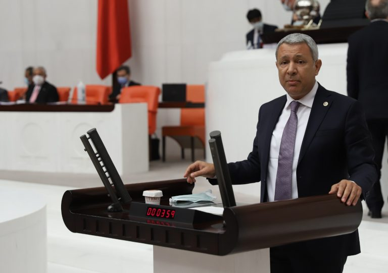 CHP'li Sümer: Ülkeye umut kahramanların özlük hakları verilmeli