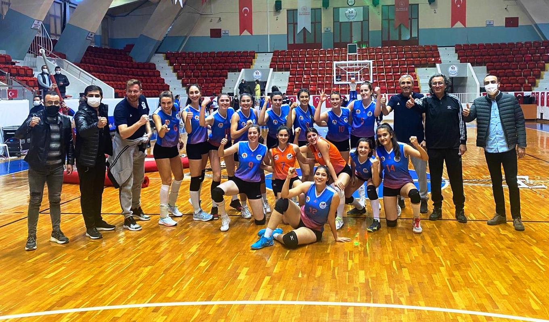 Büyükşehir Kadın Voleybol Takımı şampiyonluğa koşuyor