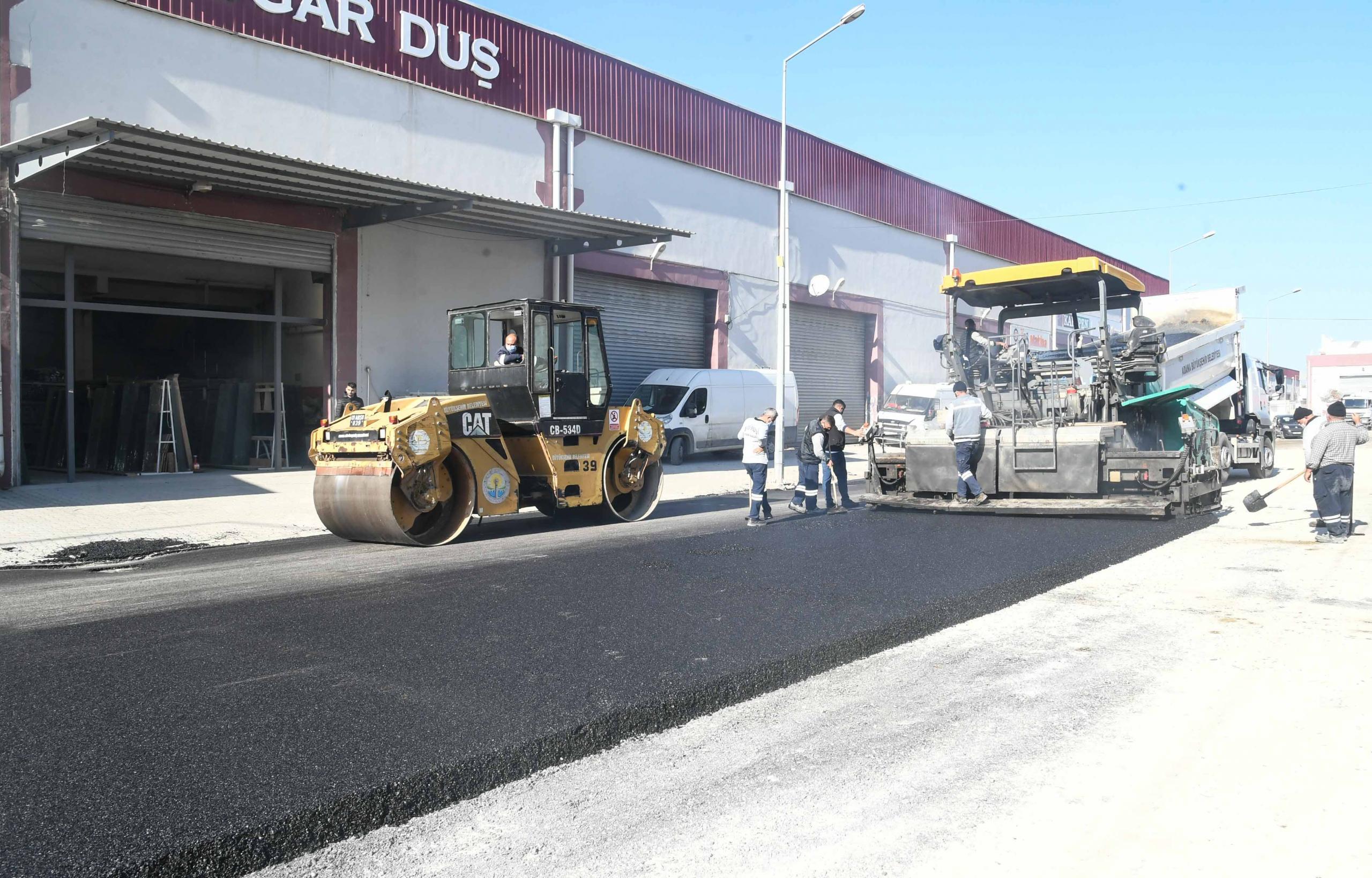 Büyükşehir'in asfalt hamlesi aralıksız sürüyor