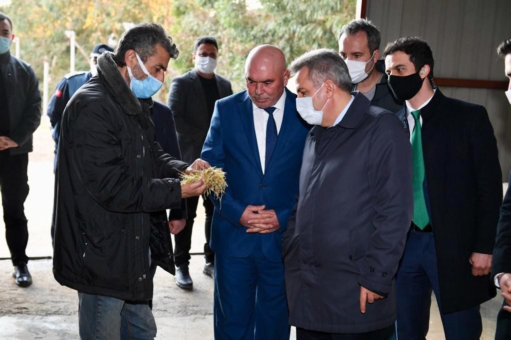 Vali Elban Mitat Besicilik Entegre İşletmelerini Ziyaret Etti