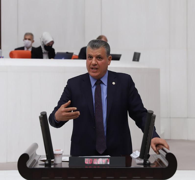 Ayhan Barut'tan Meclis'te kalıcı saat uygulamasına tepki