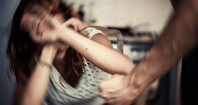 Şiddet Gören Kadın Şikayet Etti