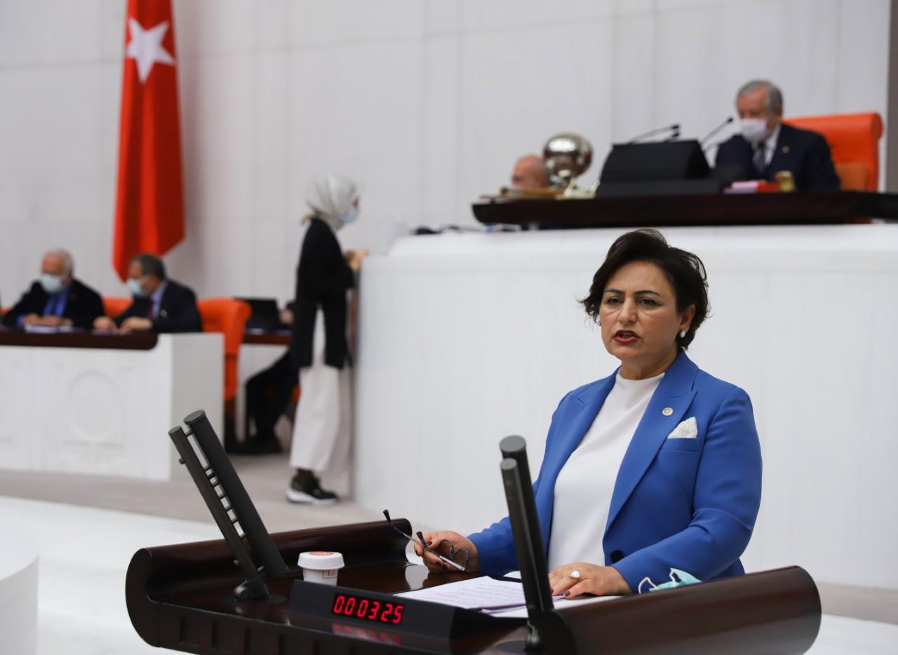 Müzeyyen Şevkin, meclis genel kurulunda 5 milyon öğrencinin borcunun silinmesini istedi