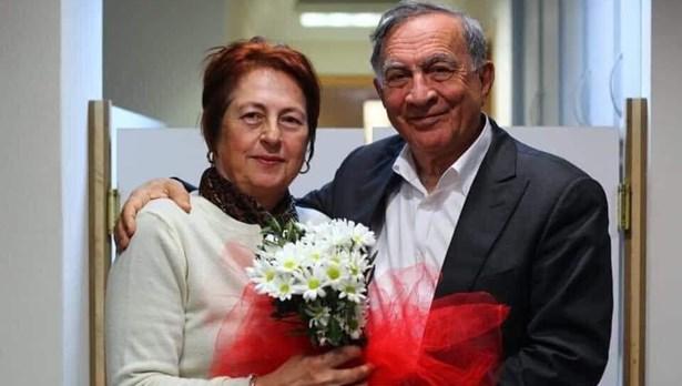 Seyhan Belediye Başkanı Akay'ın eşi corona virüse yenildi