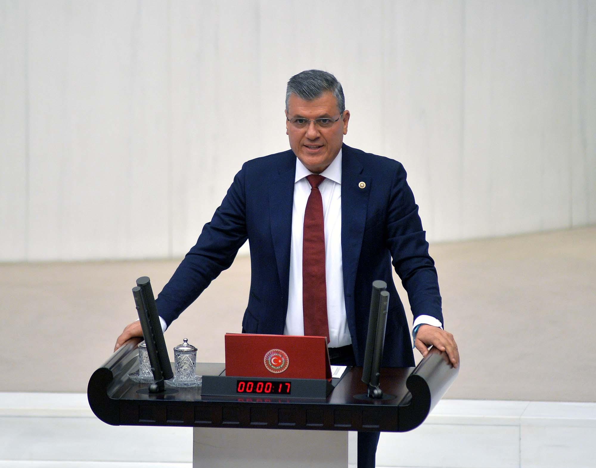 """""""AKP çözüm üretmiyor, krizi derinleştiriyor"""""""