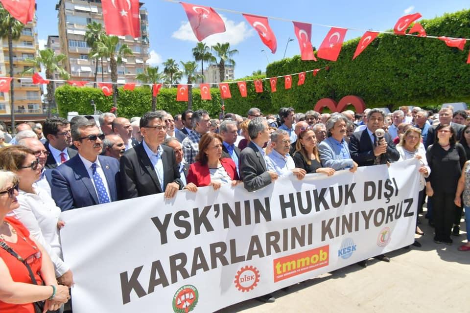 YSK Adana'da Protesto Edildi