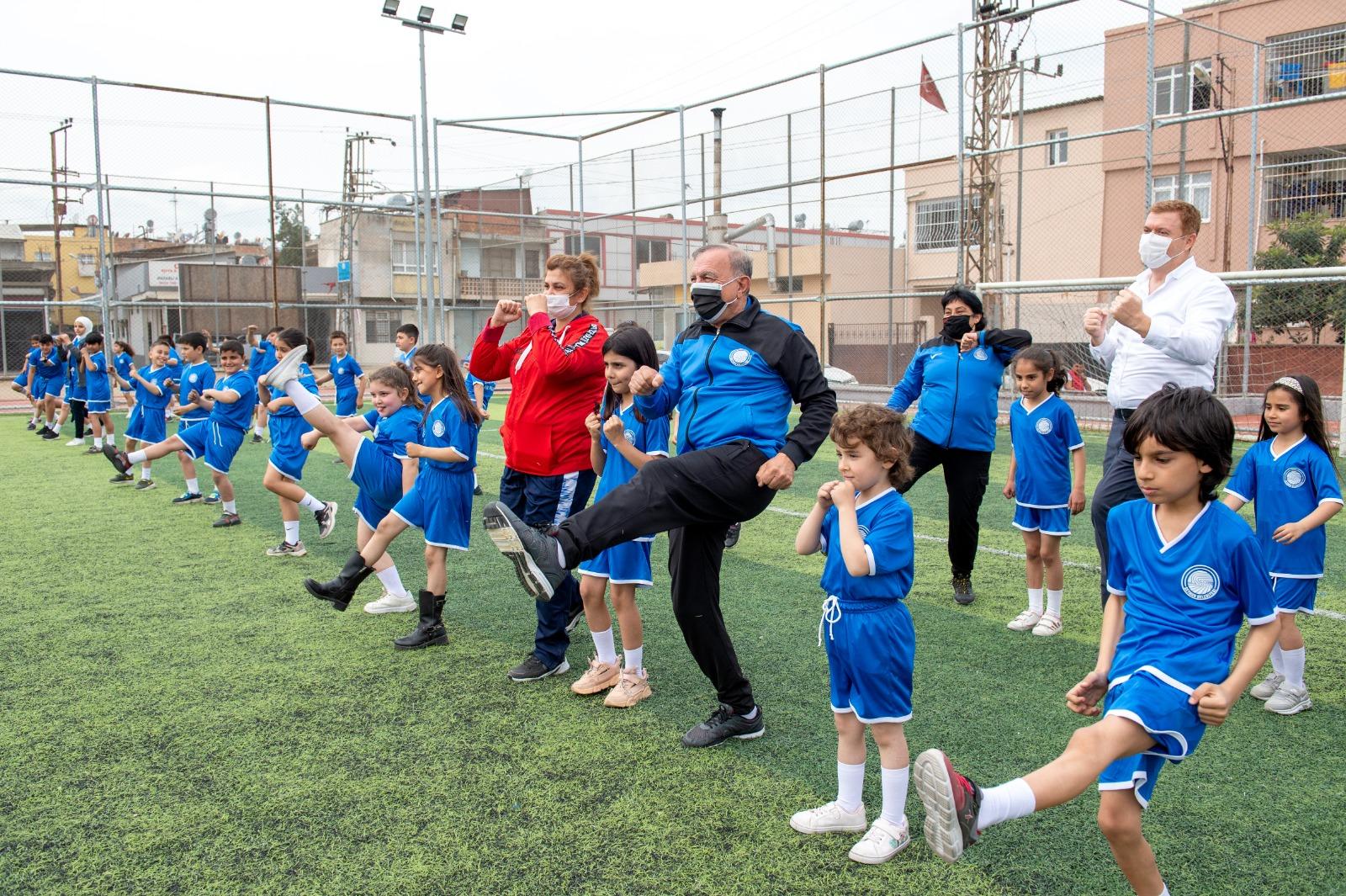 Spor okulları çocukları eğitiyor, geleceğe taşıyor