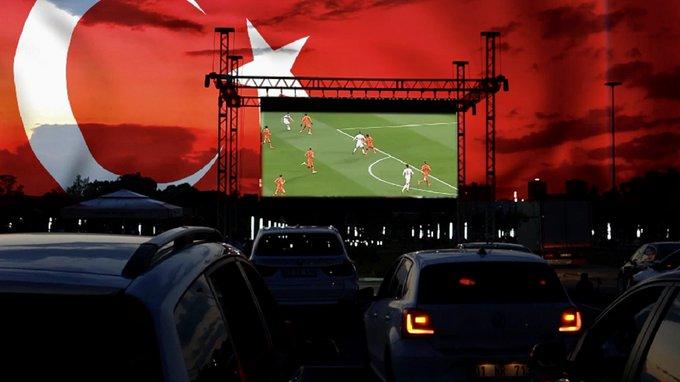 Yüreğir'de, Arabada 'Euro 2020' Heyecanı